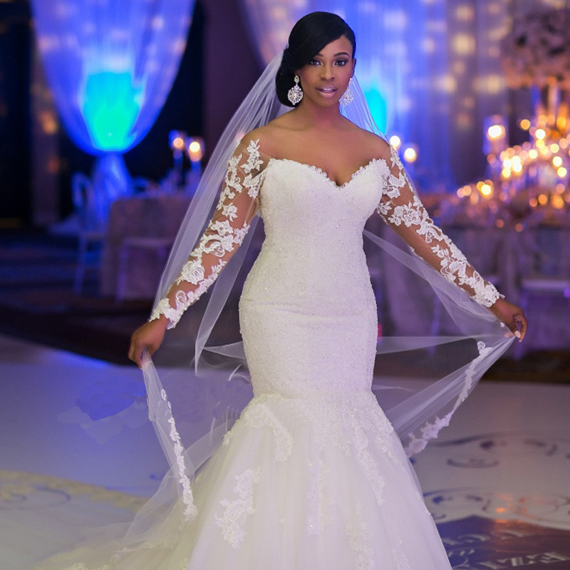 Plus Size Mermaid Wedding Dresses Long Sleeves Sweetheart Neckline Open  Back Vintage Lace Applique Beaded Bling Bridal Gowns CS176513